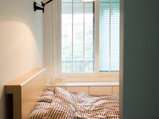 Modern style bedroom by 지오아키텍처 Modern