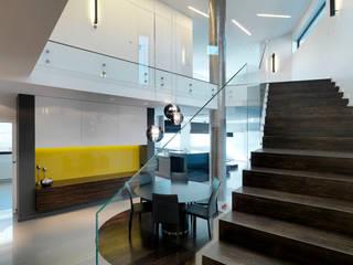 Pasillos, vestíbulos y escaleras minimalistas de living box Minimalista