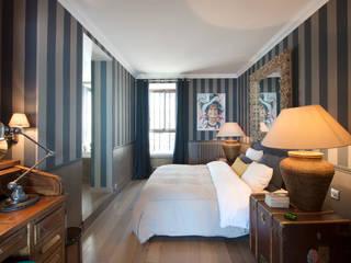 Modern style bedroom by Hélène de Tassigny Modern