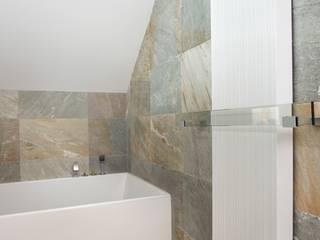 Baños minimalistas de living box Minimalista