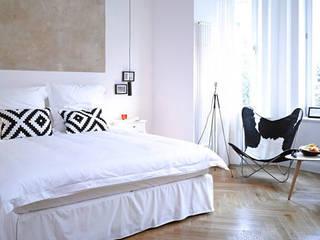 Assistenz Set Design & Interior Finishing, Gorki Aparmtents Moderne Schlafzimmer von Frau Caze Modern