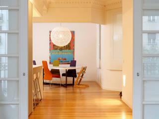 Столовая комната в стиле модерн от Beriot, Bernardini arquitectos Модерн