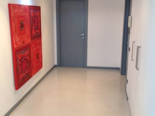 Ristrutturazione parziale_Casa Schiavoni:  in stile  di giuseppe todisco