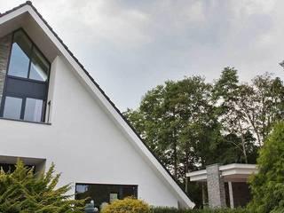 Barroco Natuursteenstrips als gevelbekleding:  Huizen door Xcel Stones, Modern