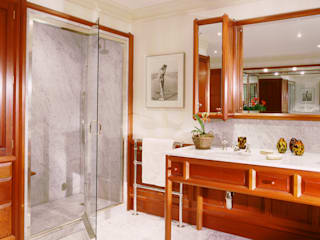 Chelsea Mahogany Bathroom designed and made by Tim Wood by Tim Wood Limited Класичний