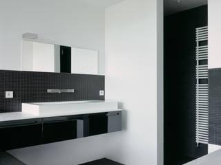 Badezimmer:  Badezimmer von PaulBretz Architectes