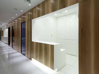 Hospitais modernos por Cong Design Office, Co.,Ltd.( コングデザインオフィス) Moderno