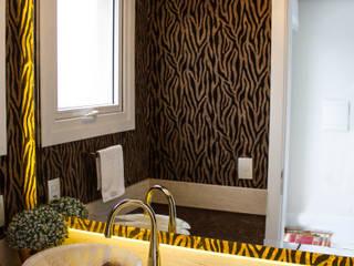 Baños de estilo moderno de Sarah & Dalira Moderno