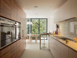 Maison K #45 Cuisine classique par ATELIER R ARCHITECTES Classique