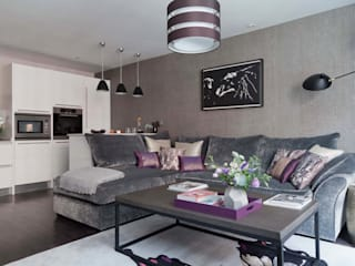 West End Apartment:  Living room by Nicola Holden Designs