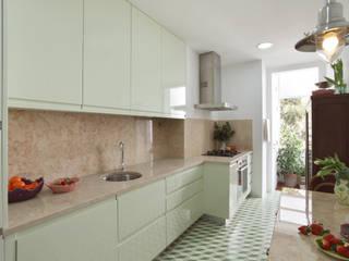 Tiago Patricio Rodrigues, Arquitectura e Interiores Modern Kitchen