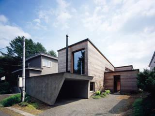 de 合同会社永田大建築設計事務所 Moderno Madera Acabado en madera