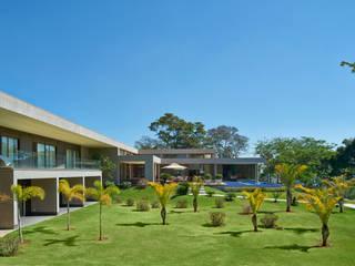Beth Marquez Interiores Jardines de estilo moderno