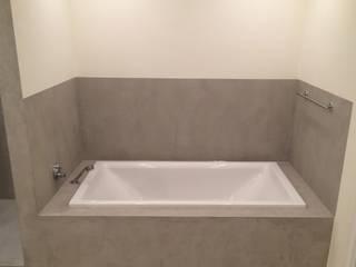 Badezimmergestaltung fugenlos mit Beton Cire' Moderne Badezimmer von Matthias Koch Malermeister Modern