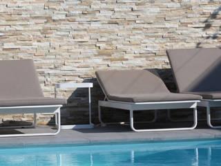 Barroco wand in Tuin:  Tuin door Xcel Stones, Mediterraan