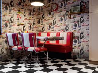 Bubblegum & Liquorice: modern  by Avenue Floors, Modern