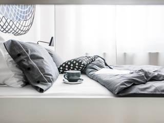 minimalist  by Lilla Sky , Minimalist