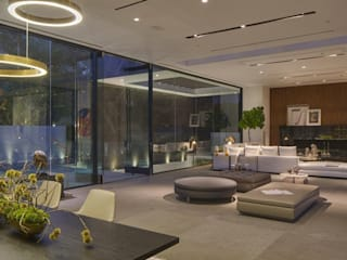private residence -dramatic glass home Modern dining room by CLASS APART (furniture.interiordesign) Modern