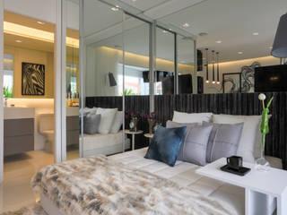 moderne Slaapkamer door Chris Silveira & Arquitetos Associados