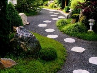 Neues Gartendesign by Wentzel Giardino in stile asiatico