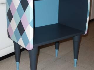 Bout de canapé ou Chevet Vintage - ARLEQUIN:  de style  par L'Effet du Pinceau