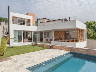 Albercas modernas de Nautilo Arquitetura & Gerenciamento Moderno