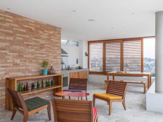 بلكونة أو شرفة تنفيذ Nautilo Arquitetura & Gerenciamento