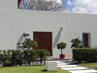 Luxury Sustainable Home | Santa Ana Costa Rica Mediterranean style houses by Aroma Italiano Eco Design Mediterranean