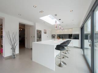 Mr & Mrs Smith:  Kitchen by Diane Berry Kitchens