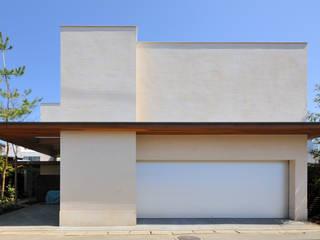 用賀の住宅: 井上洋介建築研究所が手掛けた家です。