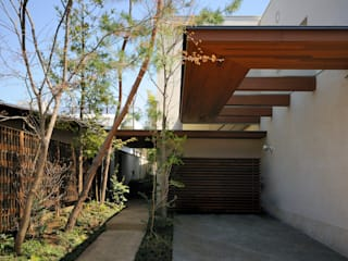 Garden by 井上洋介建築研究所, Modern