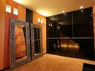 """Private residence """"Glicine Antico"""" Archiluc's - Studio di Architettura Stefano Lucini Architetto Modern corridor, hallway & stairs"""