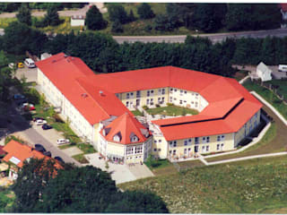 Senioren- und Pflegeresidenzen Klassische Krankenhäuser von Architekturbüro Rudolf Fürstner Klassisch