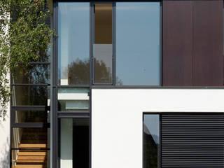 Jednacz Architekci Casas de estilo minimalista