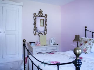 Painted bedroom furniture: country  by Alpine Furniture, Country