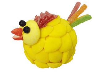 Une poule originale  pour  Pâques  qui apportera de la couleur dans votre jardin avant d'être dévorée:  de style  par L'AGITATEUR FLORAL