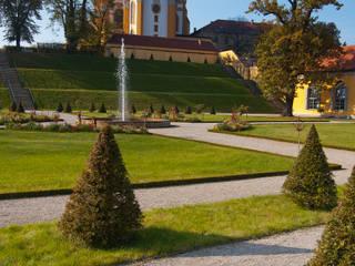 Giardino in stile  di hochC Landschaftsarchitektur, Classico