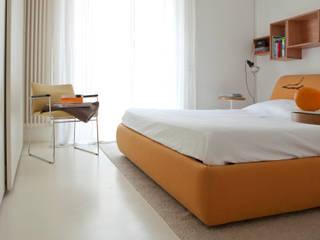 modern Bedroom by davide petronici   architettura