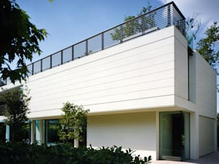 HSBC – housescape reggio emilia Case moderne di NAT OFFICE - christian gasparini architect Moderno