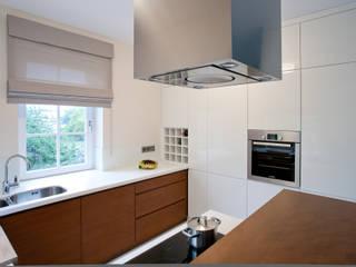 Nhà bếp phong cách hiện đại bởi ARCHISSIMA Hiện đại