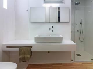 Castroferro Arquitectos 現代浴室設計點子、靈感&圖片
