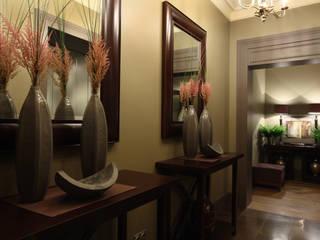 Pasillos, vestíbulos y escaleras de estilo clásico de Дизайн бюро Татьяны Алениной Clásico