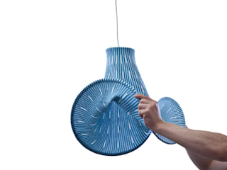 Expand Lamp: KENICHIRO OOMORI MOVING DESIGNが手掛けたです。