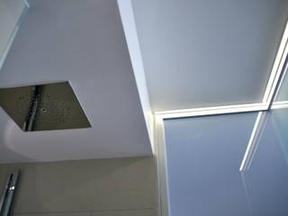 box doccia: Bagno in stile  di andrea lazzaro architetto