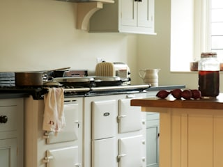 The Osgathorpe Classic English Kitchen by deVOL deVOL Kitchens Country style kitchen