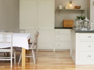The Newcastle Shaker Kitchen by deVOL deVOL Kitchens Classic style kitchen