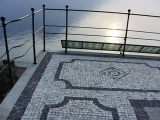 Villa Socotina - Como Lake Classic style balcony, veranda & terrace by Archiluc's - Studio di Architettura Stefano Lucini Architetto Classic