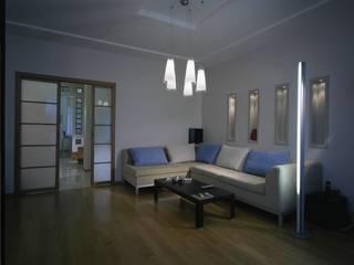 Minimalist living room by KRAUKLIT VALERII Minimalist