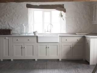 The Cotes Mill Shaker Kitchen deVOL Kitchens Rustic style kitchen
