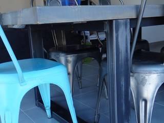 Table salle à manger industrielle:  de style  par Bg meubles